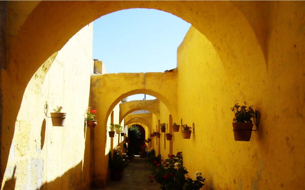 Santa Catalina - trip peru