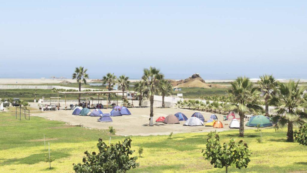 Playa Albúfera de Medio Mundo, KM. 177 de la Panamericana Norte