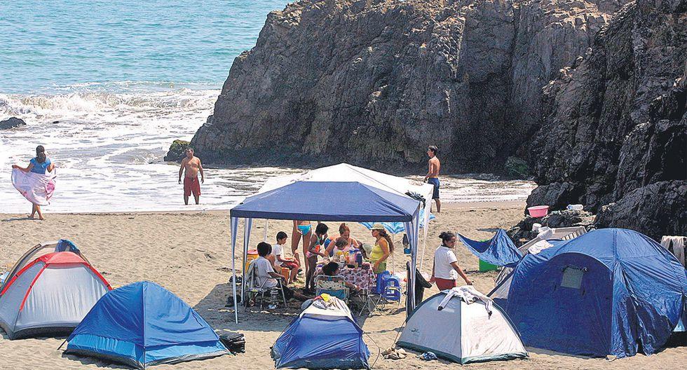 Playa El Paraíso, KM. 135 de la Panamericana Norte