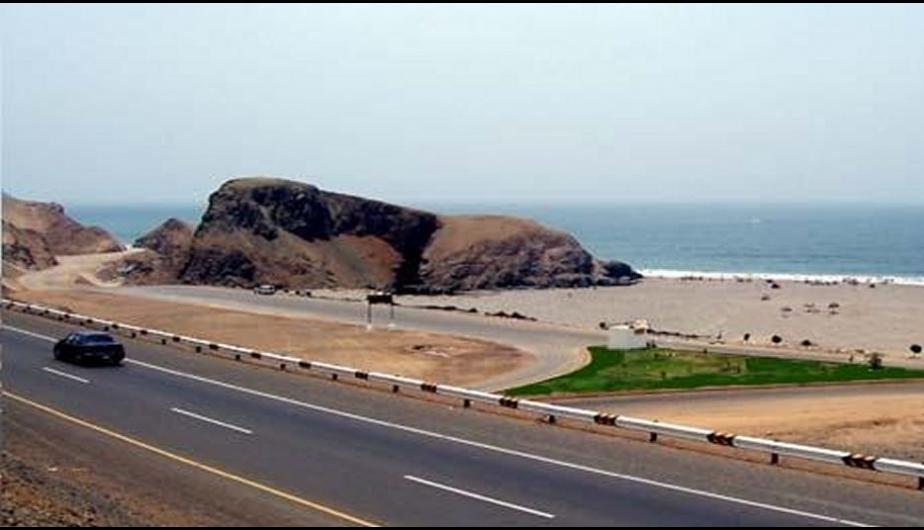 Playa León Dormido Km 80 de la Panamericana Sur