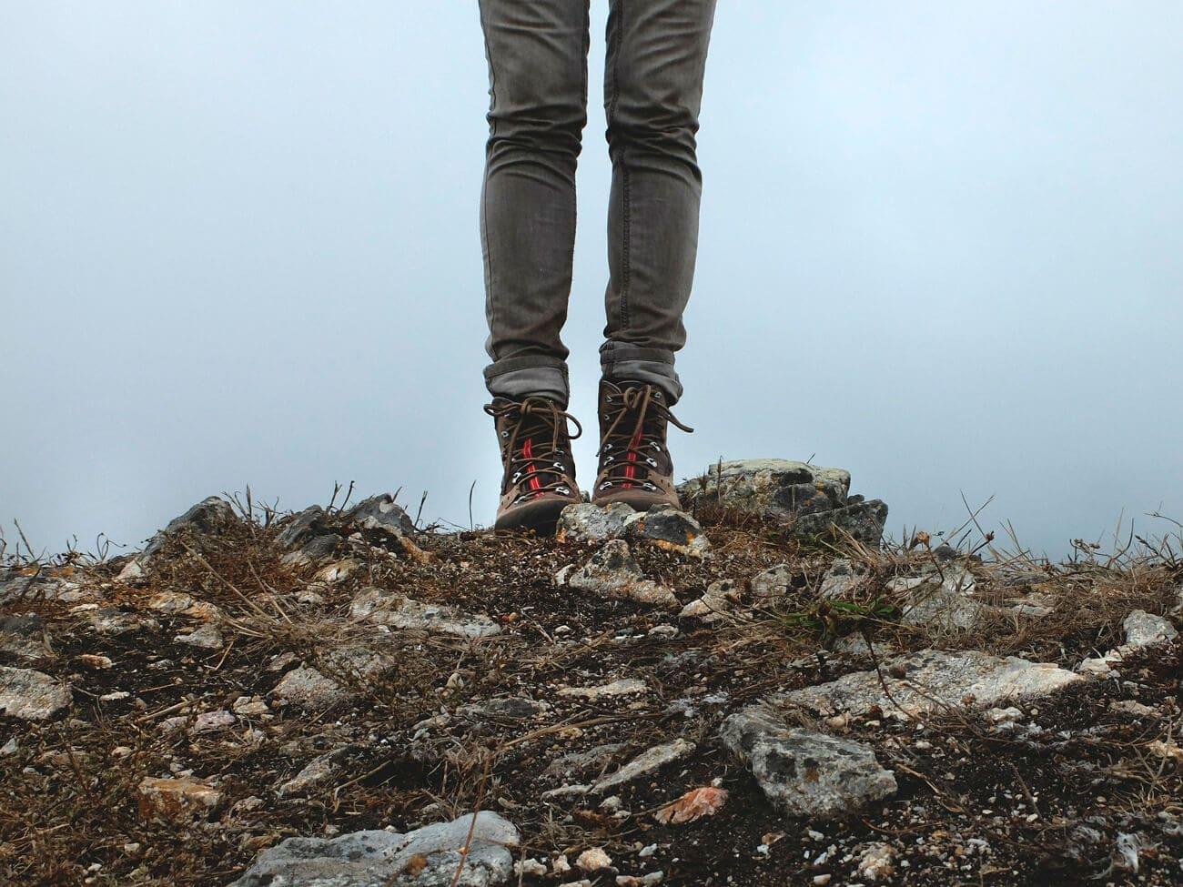 Lo ideal para llevar a la montaña de 7 colores son zapatillas especiales